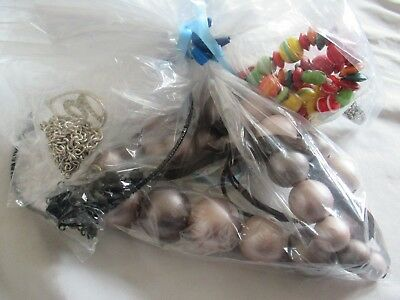 Pretty bundle job lot of costume jewellery 10 Bagged mixed lot 9