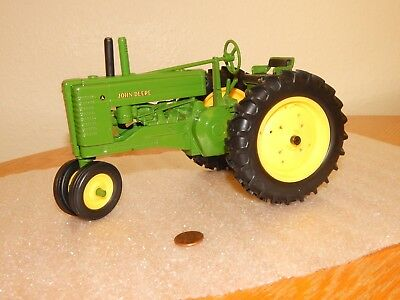 Ertl John Deere Diecast 1/16 Scale 1939 Model A Styled ~ Tricycle Farm Tractor