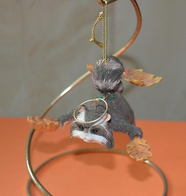 """Charming Tails """" FLYING ANGEL RACCOON W/ STAND"""""""" By FITZ AND FLOYD 87491"""