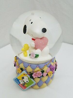 Westland Peanuts Baby Snoopy Musical Snowglobe with Tag United Feature Syndicate