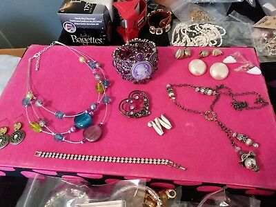 lot of jewerly vintage to new-