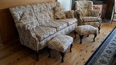 Antique lounge, two armchairs and two footstools in beautiful condition