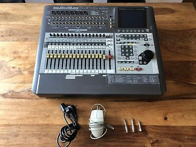 Roland VS-2480 Digital Studio Workstation + VS8F-2 Effects Expansion Board (4x)