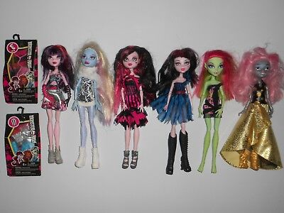 6x Lot of Monster High Dolls with Accessory Packs + Stands