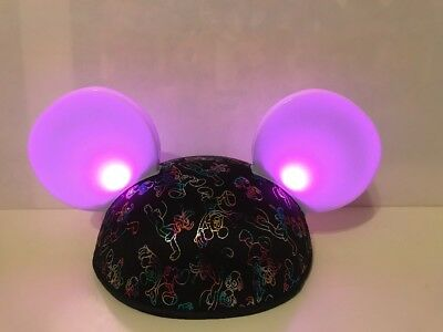 Disney Parks Mickey Mouse Friends Light-Up  Magic Glow Hat With Show Ears