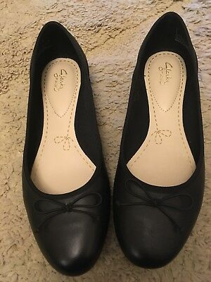 Clarks Couture Bloom Flats Size 8 (adult)