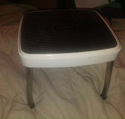 Vintage Mid Century Retro Metal Cosco White 1 Step Foot Stool Stand Mid Century