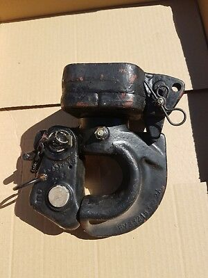 Land Rover NATO Hitch, Black in Good Condition