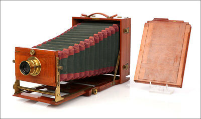 Large Antique Folding Camera. In Excellent Condition. Circa 1890