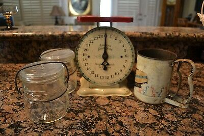 Vintage American Family 24 Lbs. Kitchen Scale Country Display