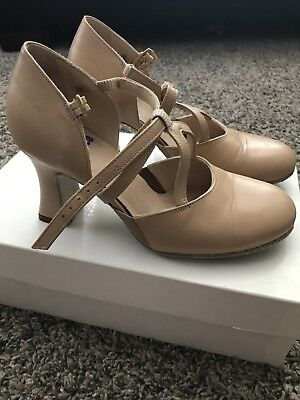 "LaDuca Character Shoes - 3"" Elizabeth, Beige, Size 34/5.5 - Slightly Used"