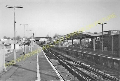 Elmer's End Railway Station Photo. Clock House to Woodside and Eden Park. (10)