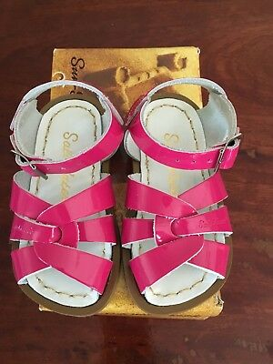 Saltwater Sandals Kids Size 5 Brand New In Box