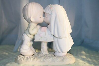 Precious Moments Figurine Sealed With a Kiss 1992