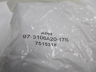 NEW circular connector type Amphenol 97-3106A20-17S in original packaging