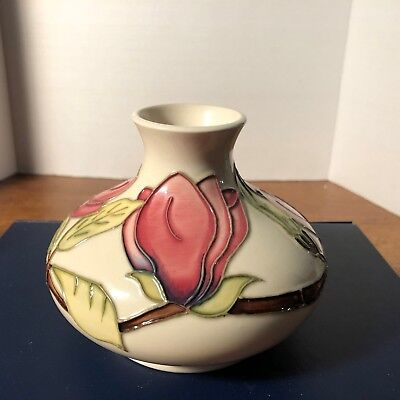 Moorcroft-Wonderful-Squat-Vase-in-the-Magnolia-Pattern, Made in England