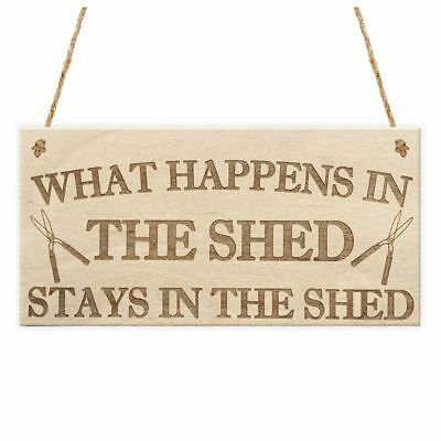 5X(What Happens In The Shed Stays In The Shed Garden Hanging Plaque Tools Z9M4)