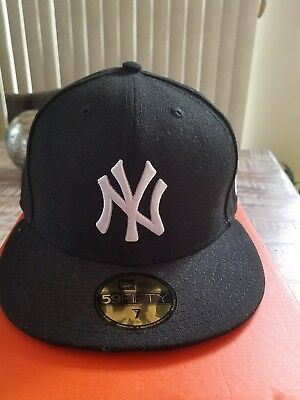 87be0f53 NEW YORK YANKEES New Era 59FIFTY Cap Hat 7 1/8 Brand New Made In USA ...