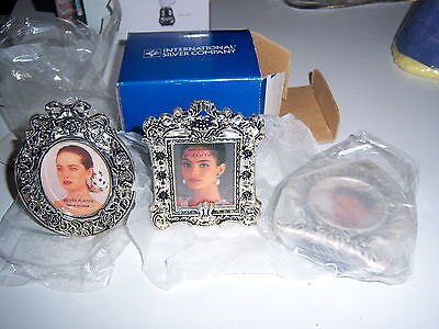 International Silver Company Silverplated Heart Shaped Photo Frame