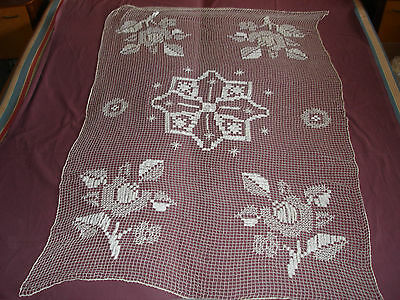 #974  Beautiful Vintage Filet Lace Tablecloth  164cm/110cm(64.5''x43'')