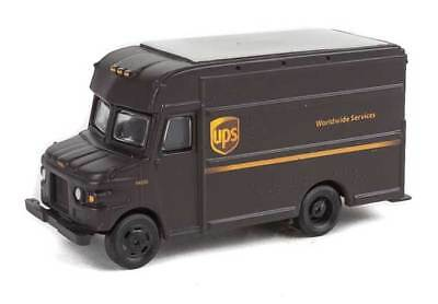 14001 Walthers SceneMaster UPS Package Car Brown Truck Modern Shield logo HO