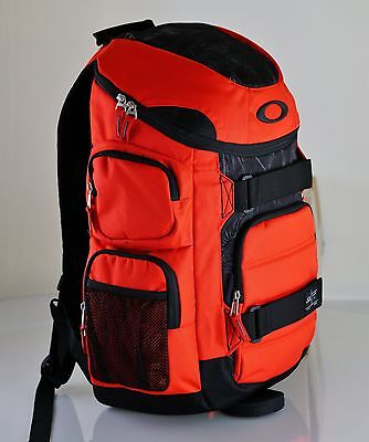 38166892b71 Oakley Enduro 30 Red Line Bag Workout College Travel Hiking Carry On Hiking  New