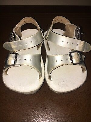067579052 SUN SAN SALTWATER Surfer White Leather Sandals Size 6 Toddler ...