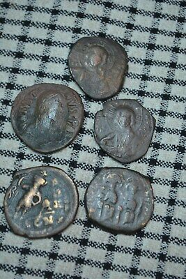 Byzantine lot of 5 coins. Nice grades. 26mm to 31mm. 9,1gr to 16,4gr. Unknow.