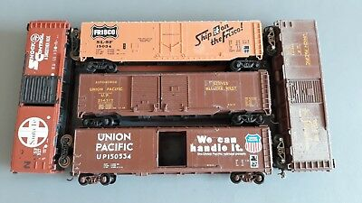 Us Style Box Cars Union Pacific Etc Need Tlc Good Condition Unboxed Ho Gauge(Hb)