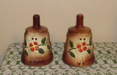 American Bisque Butter Churn Salt & Pepper Shakers Very Nice!