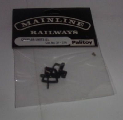 Mainline 37-274 Mainline couplers - two packs of two as new (1)