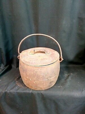 Vintage Romany Gypsy Cast Iron Cooking Pot - 3 Gallons Marked No 9