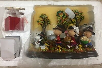 """Danbury Mint Peanuts Thanksgiving """"A Time To Give Thanks"""" Lighted Sculpture"""