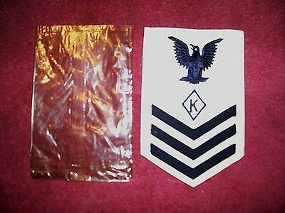 RARE  WW II US NAVY WHITE 1st. CLASS (  K ) CHEMICAL WARE RATE / PATCH UNISSUED