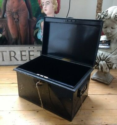 LOCKABLE VINTAGE DEED BOX WITH KEY - Holmes & Sons London - Cash Chest Safe Will