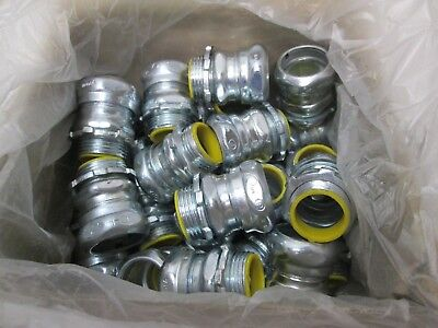 """Box of 19 NEW Cooper Crouse-Hinds 1651 Compression Type box Connector 3/4"""""""