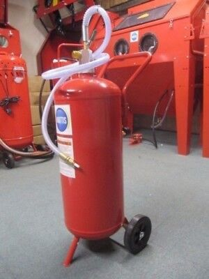 Soda 7 Portable Soda Blasting pot ideal for Sand Blast restoration projects