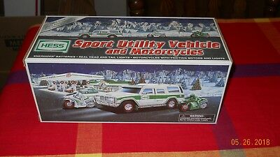 """Hess 2004 Toy Truck """"Sport Utility Vehicle & Motorcycles'"""