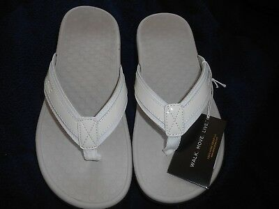 1af6beb2dbae Vionic Orthaheel Women s Size 6 White Flip FLop Sandals New In Box Style  TideII