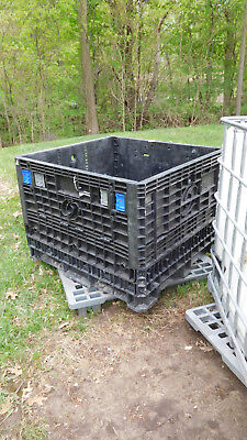 45 x 48 x 34 Medium-Duty Collapsible Bulk Container 2 Doors Gaylord tub pallet