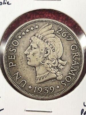 Dominican Republic 1939 1 Peso Silver Coin Key Date Crown Size