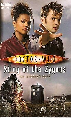+ DOCTOR WHO Paperback Sting of the Zygons (David Tennant as Doctor) engl.