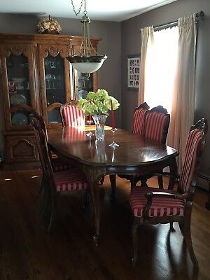 Vintage Century Furniture of Distinction Chandelle Dining Room Set