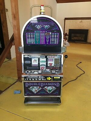 IGT Double Diamond Casino Slot Machine White Round Top Cabinet great condition