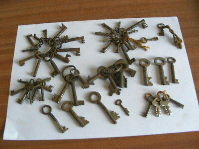 Job Lot Of Antique Cabinet Keys Etc X Fifty Two ( 52 )