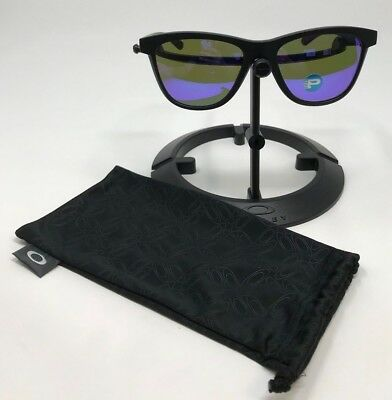 a1a41b37455 Oakley Women s Moonlighter Black Square Sunglasses OO9320-09 100% AUTHENTIC