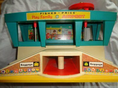 Fisher Price  Play Family Airport  Flughafen Flugzeug   Vintage  1972