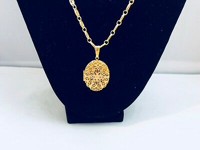 Vtg. Monet Faux Pearl & Filigree Gold Tone Lond Chain/locket Necklace