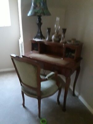 Henredon writing desk, 1950s with chair in excellent shape