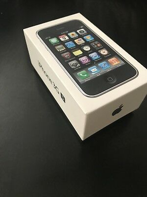 Apple iPhone 3GS 16gb White. 100% functional. With original box.